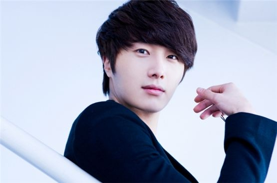 About Jung Il-woo: Profile, Wife, Plastic Surgery, Military