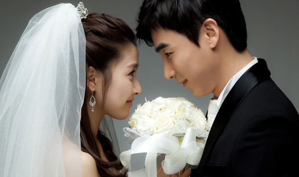 Profile of Jin Yi-han and Facts About His Wife | Channel-K