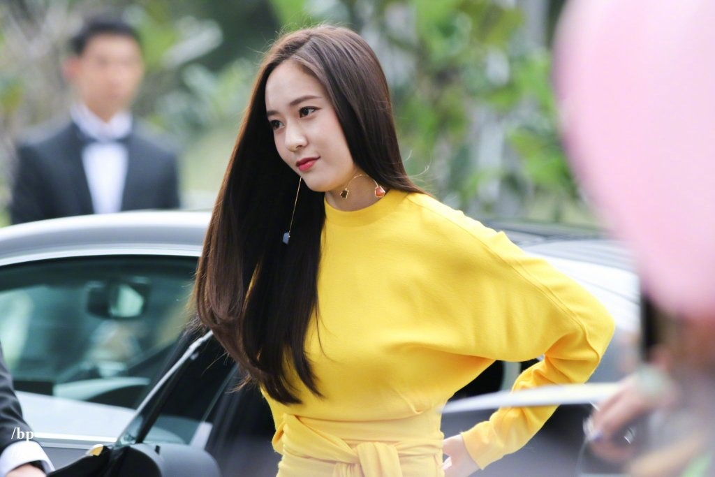 Get Closer to F(X) Member, Krystal Jung: Profile, Age, Height