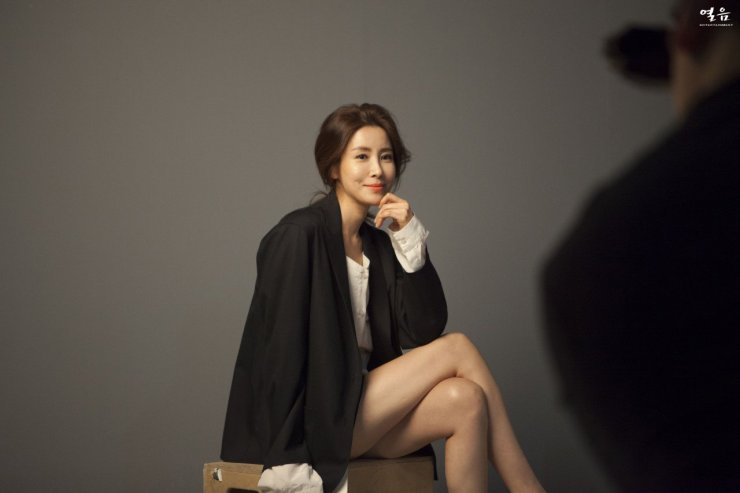 All About South Korean Actress...