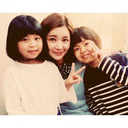 Jang Seo-hee with child actor and actress