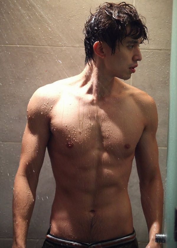 lee dong wook's abs