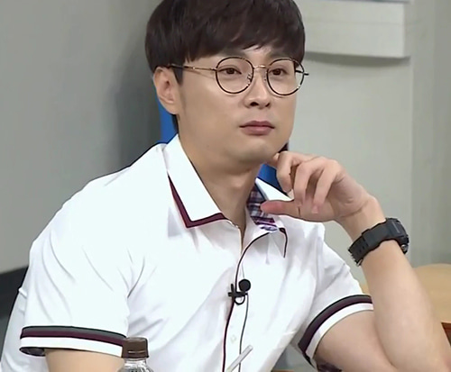 Get To Know Singer And Entertainer Min Kyung Hoon Lead Vocalist Of Rock Band Buzz Chemistry With Super Junior S Kim Hee Chul And More Channel K