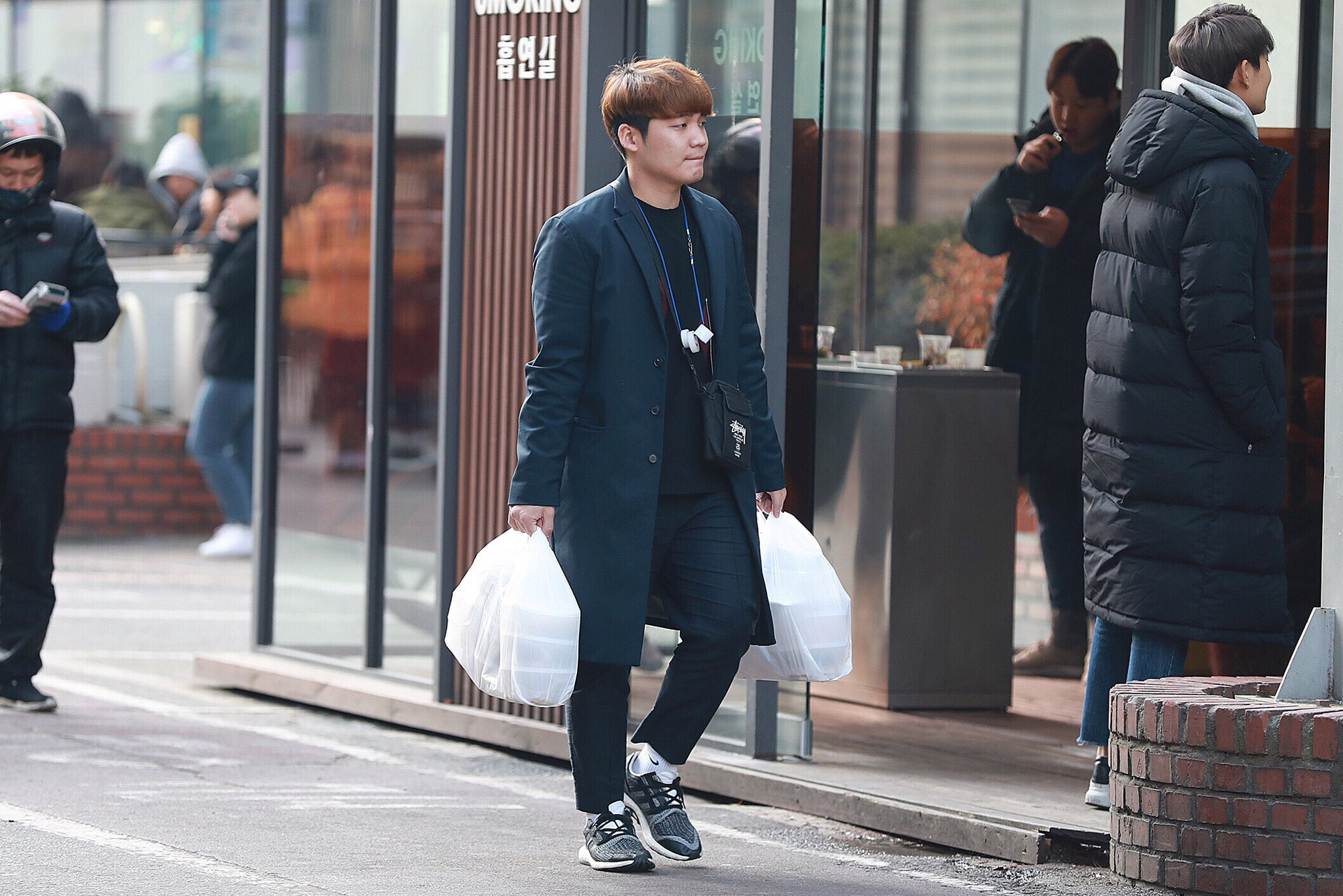 twice handsome manager