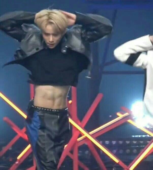 nct's jungwoo abs